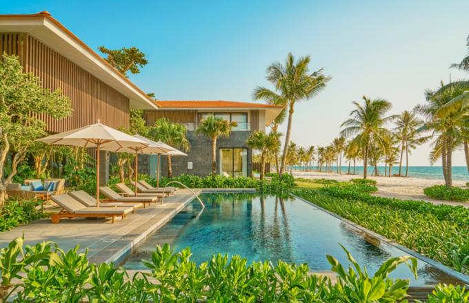 Bể bơi căn Presidential Villa tại InterContinental Phu Quoc Long Beach Resort